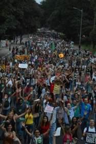 """Greve dos Professores - Rede Estadual de Ensino - São Paulo - Imagens desmentem os números divulgados pela """"grande mídia"""". (02/04/2015)"""