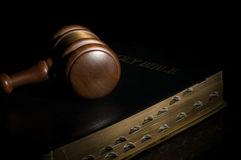 conceito-da-lei-7402000